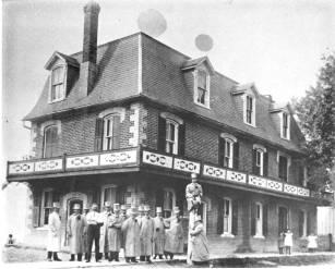 Queen's Hotel, Unionvillle, c.1900